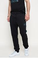 pantaloni-sport-barbati-adidas-originals4