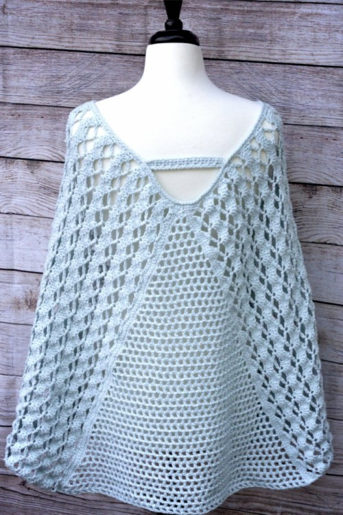 Whimsical Waves Poncho - Free Crochet Pattern