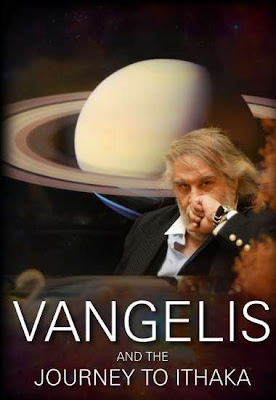 El músico griego Vangelis Papathanassiou retratado en la portada del DVD del documental Vangelis And The Journey To Ithaka (2013).