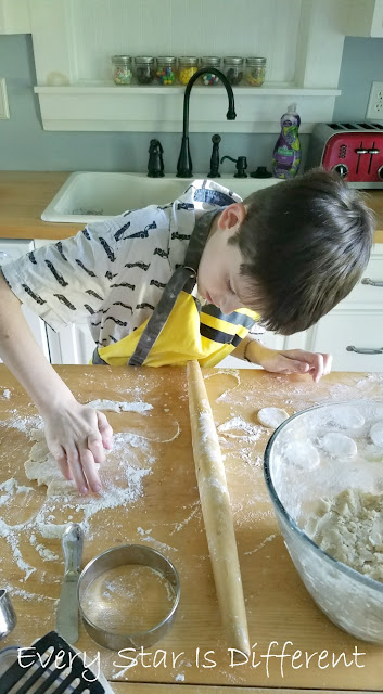 Our Montessori School Schedule-Kitchen Tasks
