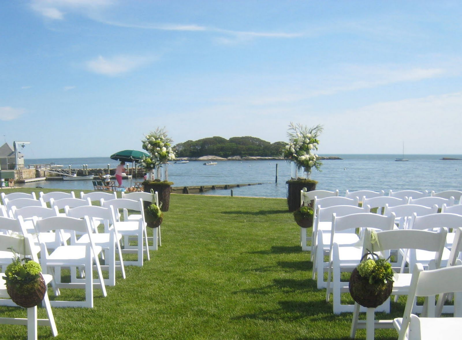 Madison Beach Club Lawn Is So Intimate I Surprised Sara By Taking Our Pedestals