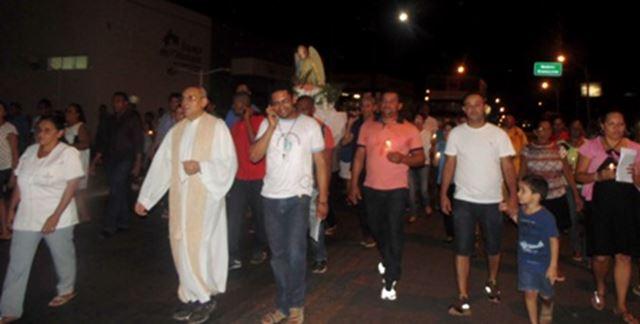 Católicos encerraram Festejo com procissão da imagem de São Rafael. Foto: Piauí Notícias