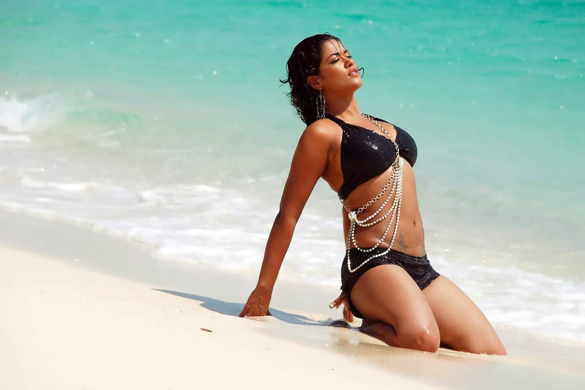 Mumaith Khan in madaan swimsuit looking  hot sexy pretty secrete beach
