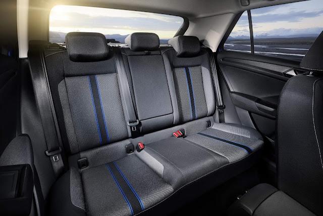 Volkswagen T-ROC - espaço traseiro