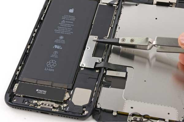 dịch vụ thay pin iPhone X tại Maxmobile