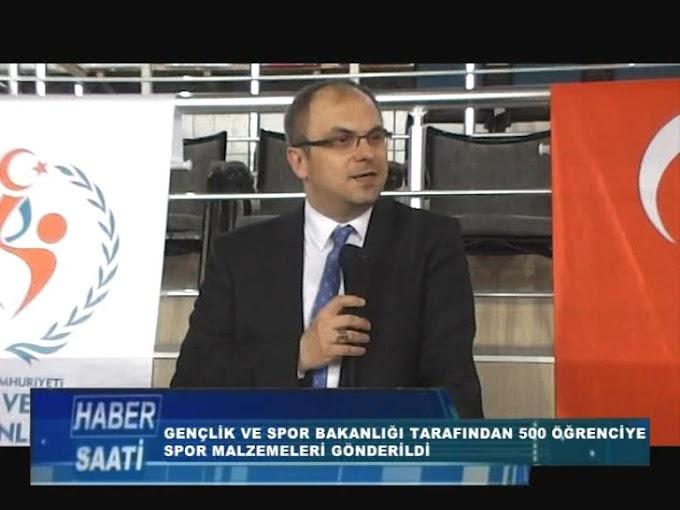 Kaymakam Dr. Ahmet Süheyl Üçer, Spor Tokat Projesi kapsamında öğrencilere spor malzemesi dağıtım törenine katıldı.