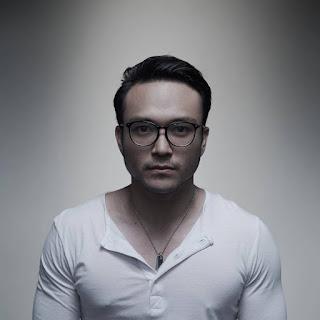 http://www.yogmovie.com/2017/10/malaysian-actor-gallery-shaheizy-sam.html