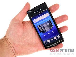 harga baru bekas Sony Ericsson LT18i Xperia Arc S, spesifikasi lengkap review hp Sony Ericsson LT18i Xperia Arc S, kelebihan dan kekurangan handphone android tertipis kamera 8mp, smartphone android desain cantik