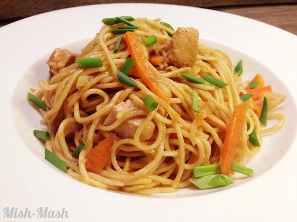 Спагети с пиле и портокал