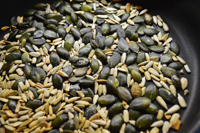 roasting pumpkin seeds and pine nuts at home