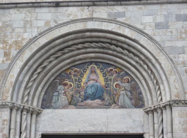Affresco portale Cattedrale di sarzana