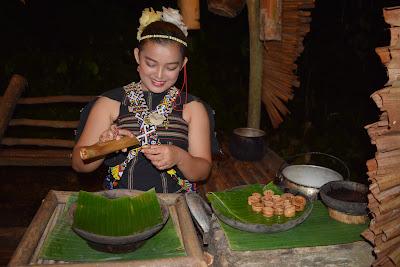 Hari Pertama #IndonesianBloggerGoesToSabah: Dari Keberangkatan Hingga ke Manukan dan Sapi Island Serta Mari - Mari Cultural Village
