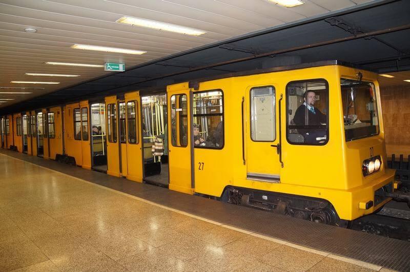 linea amarilla metro budapest
