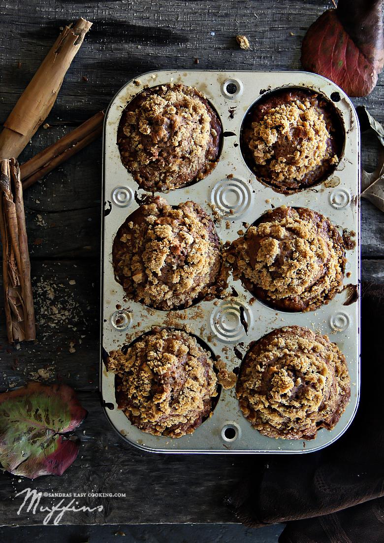 Apple and Persimmon Cinnamon Muffins {Recipe}