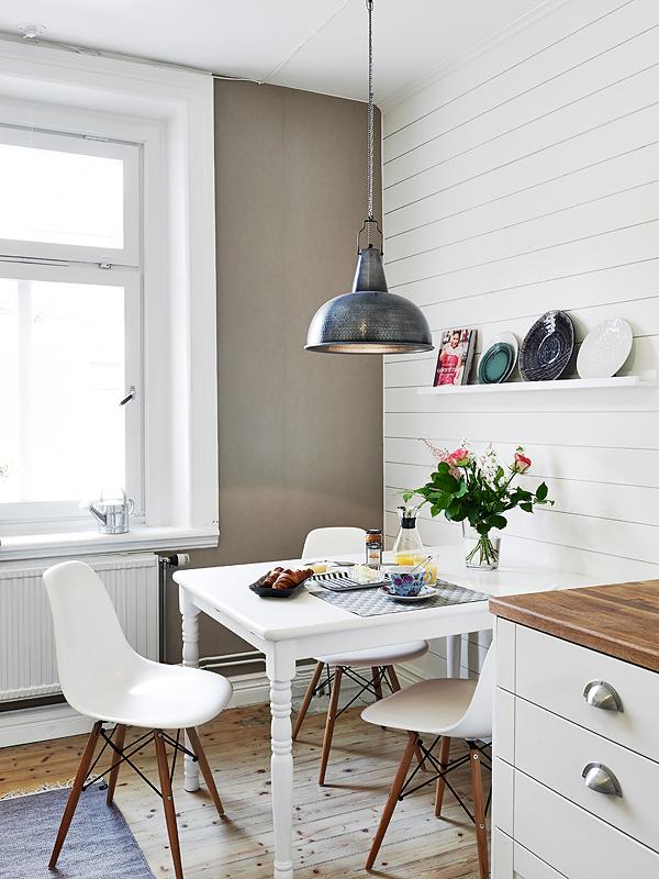 Wabi sabi scandinavia design art and diy small downtown apartment with beautiful old features - Wabi sabi interior design ...