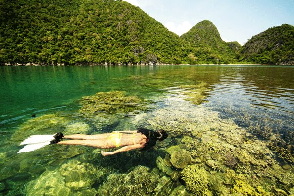 Caramoan Tour Package