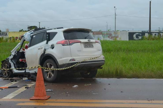 Acidente brutal deixa Professora e Policial Civil em estado grave em colisão frontal com carreta na BR 364