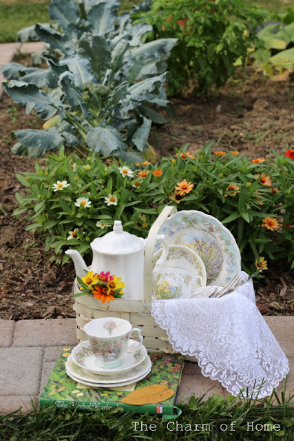 Garden Picnic Tea: The Charm of Home