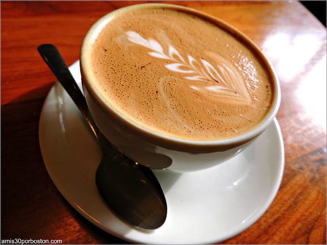 Café en la Cafetería La Colombe, Washington D.C.