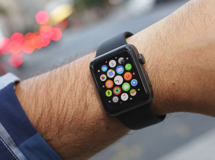 newgersy/ Report: Next Apple Watch to pick up LTE availability, all new shape factor