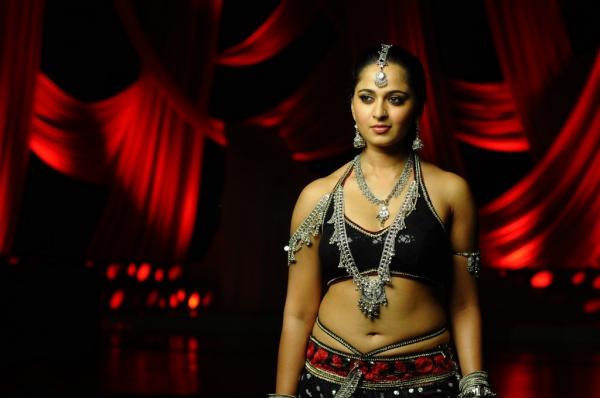 exotic ornamenal Anushka sexy dance show