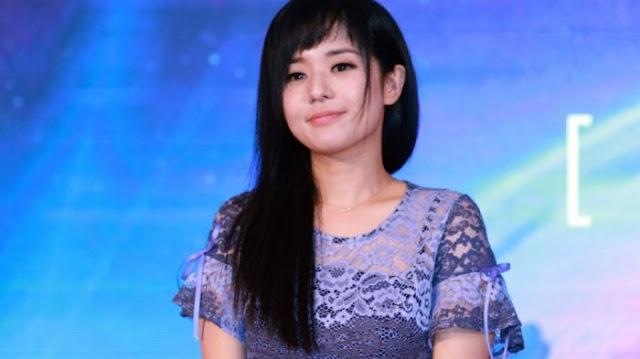 Mantan Aktris Dewasa Jepang Sola Aoi Melahirkan Anak Kembar