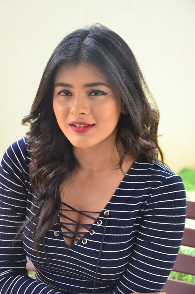 Hebah Patel nude (81 foto and video), Sexy, Is a cute, Boobs, braless 2018