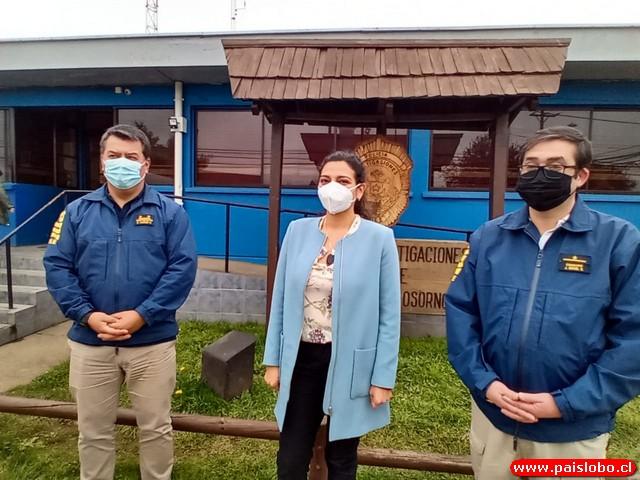 Fiscal junto a jefes PDI Osorno
