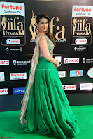 Manjusha in Beautiful Sleeveless Green Anarkali dress at IIFA Utsavam Awards 10.JPG