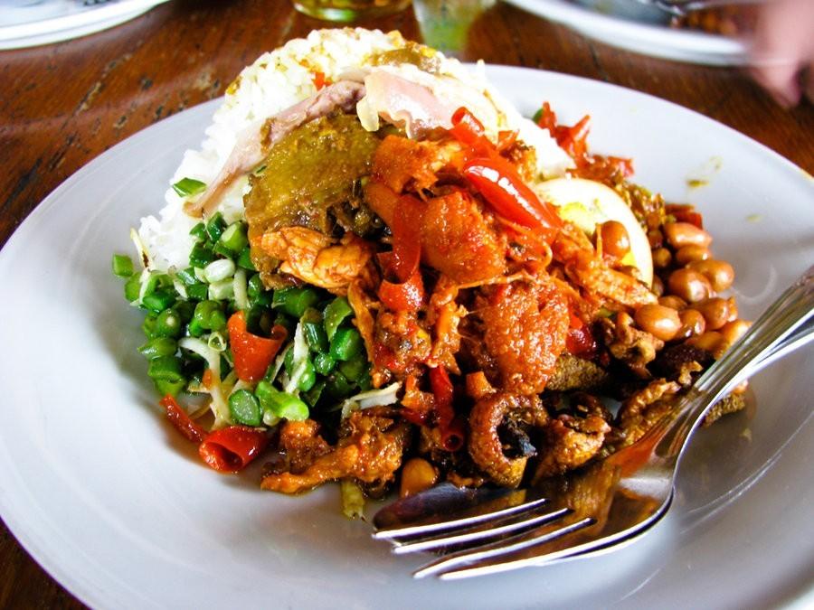 Makanan Khas Bali Lawar Kuwir