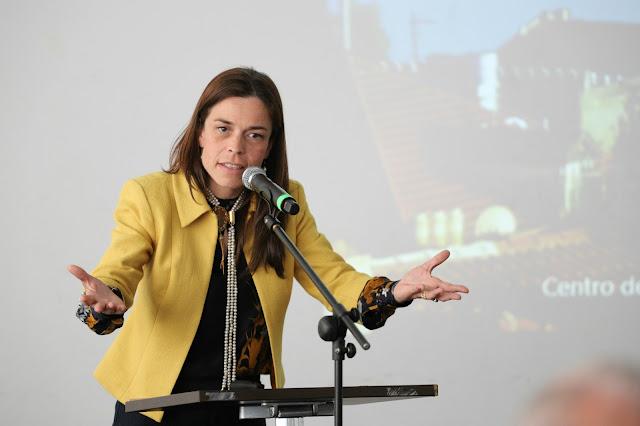 Secretária de Estado da Habitação apresentou nova geração de políticas de habitação no Salão Imobiliário de Lagoa