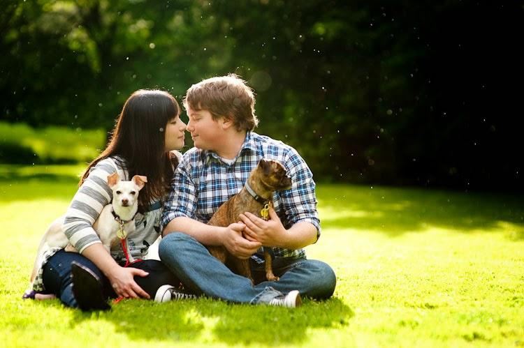 fotos de casais com cachorros