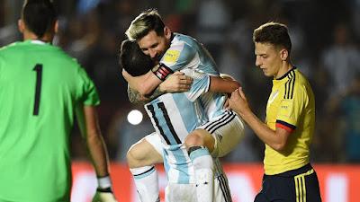 Lionel Messi festeja victoria contra Colombia