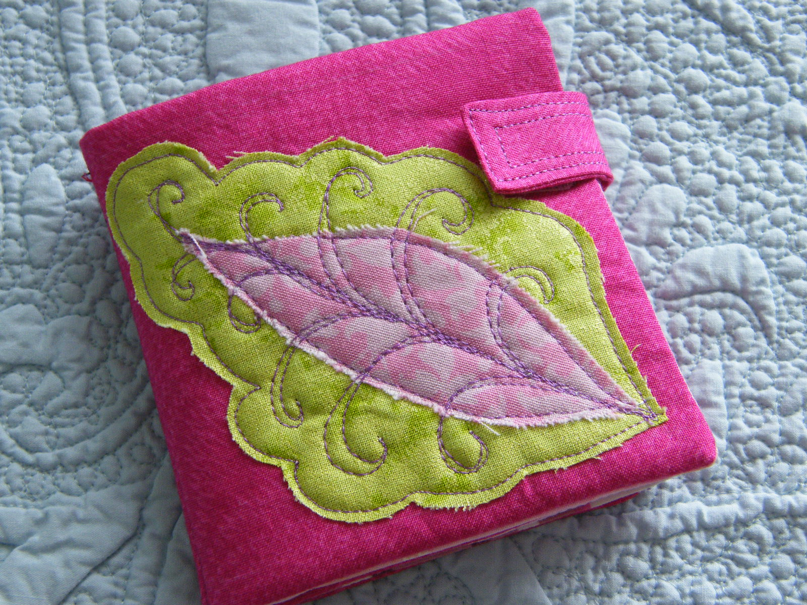 Quilted Knitting Needle Case Pattern : Quilt knit run sew my sweet needlecase