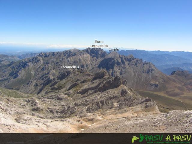 Vista del Escamellau, Morra de Lechugales y Pico Cortés desde el Tiros Navarro
