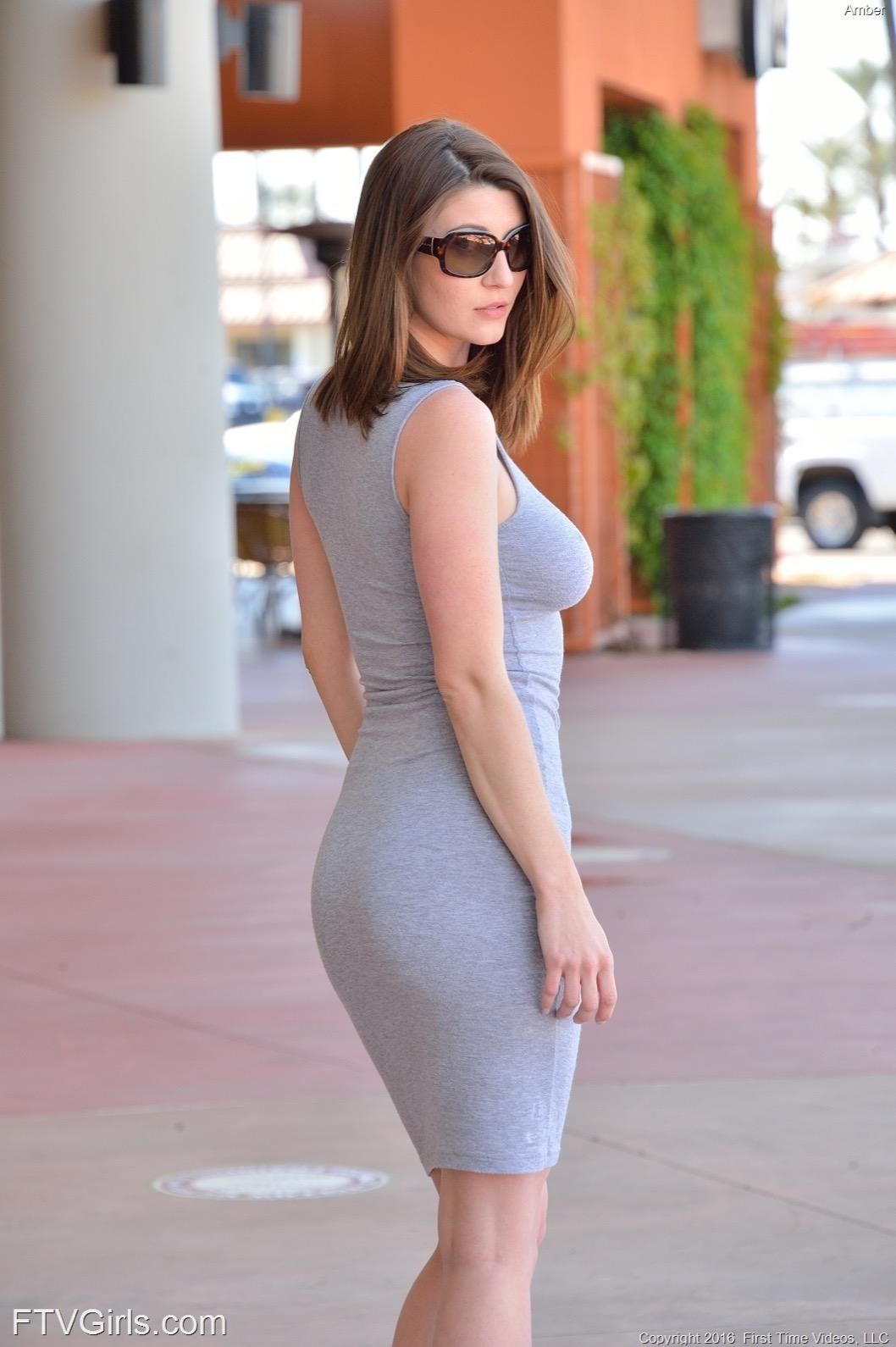 Обтягивающие платья без нижнего белья фото, порно видео муж тряпка
