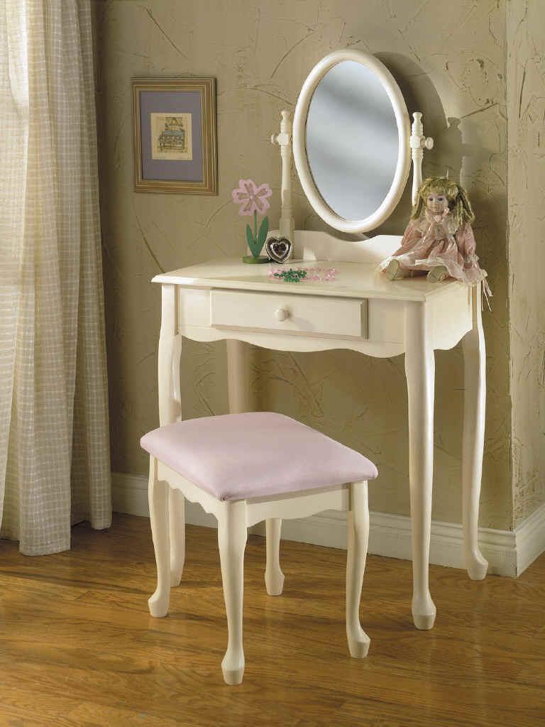 Bedroom vanities with lights - Best lighting for bedroom vanity ...
