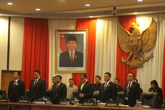 Lewat Paripurna, Andrei Angouw Resmi Jabat Ketua DPRD Sulut