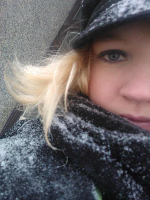 spacer-w-śniegu