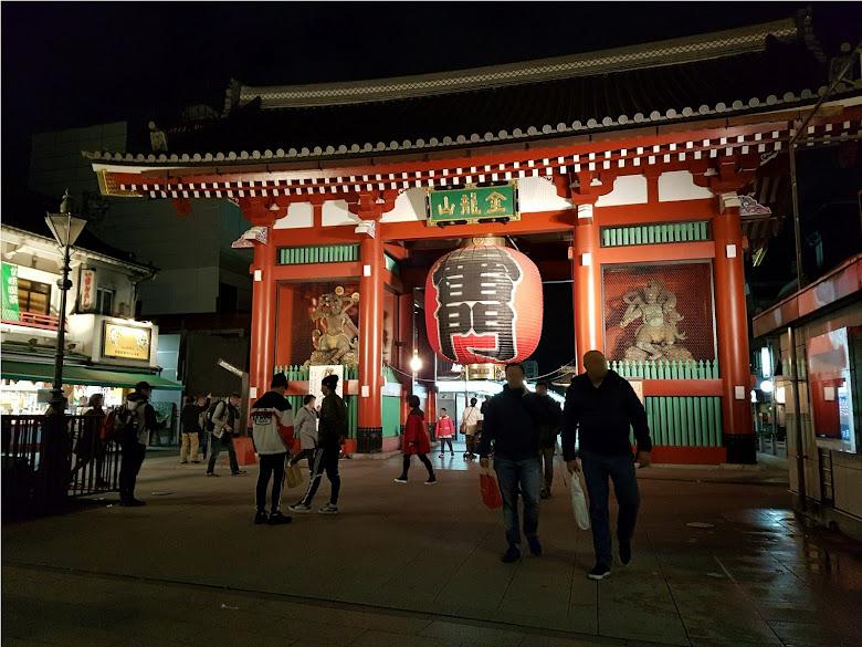 夜晚的雷門 (Kaminarimon)
