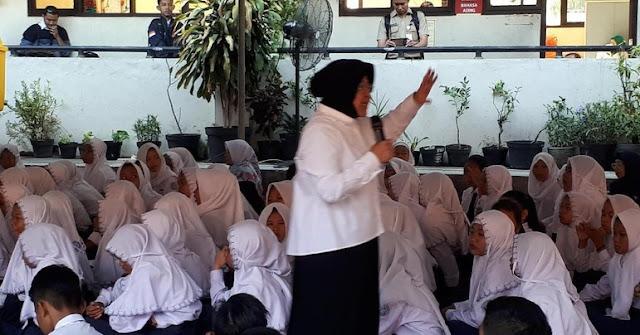 Anggaran Gaji UMR Guru Swasta SD-SMP di Surabaya akan Turun