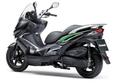 Kawasaki J125, coches y motos 10