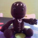 http://lacomunidadelganchillo.blogspot.com.es/2016/04/patron-sackboy-little-big-planet.html