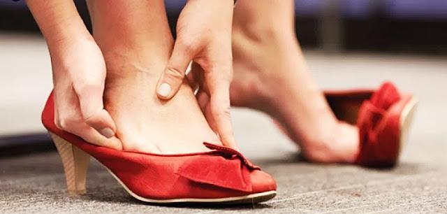 Cara Mengakali Sepatu Yang Kekecilan Agar Pas Di Kaki