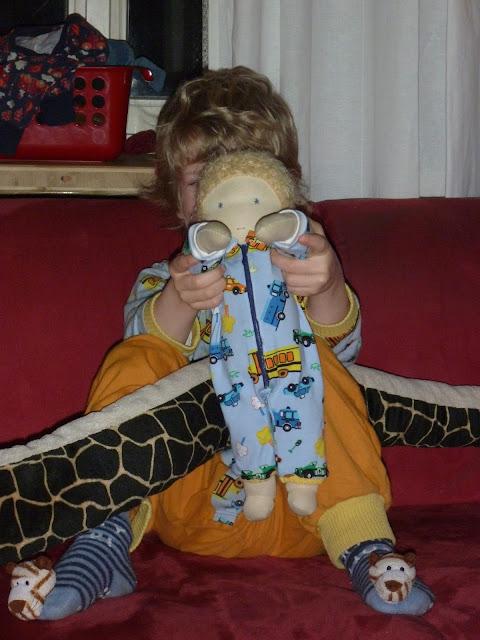 Pijama für Puppe nähen