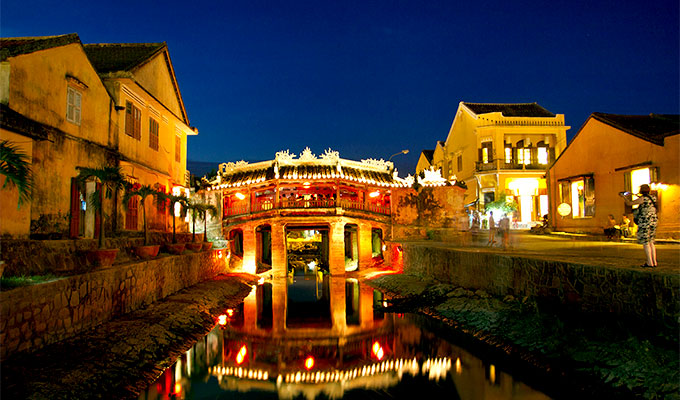 Lebih banyak jimat dengan Vietnam Tour Packages di Traveloka