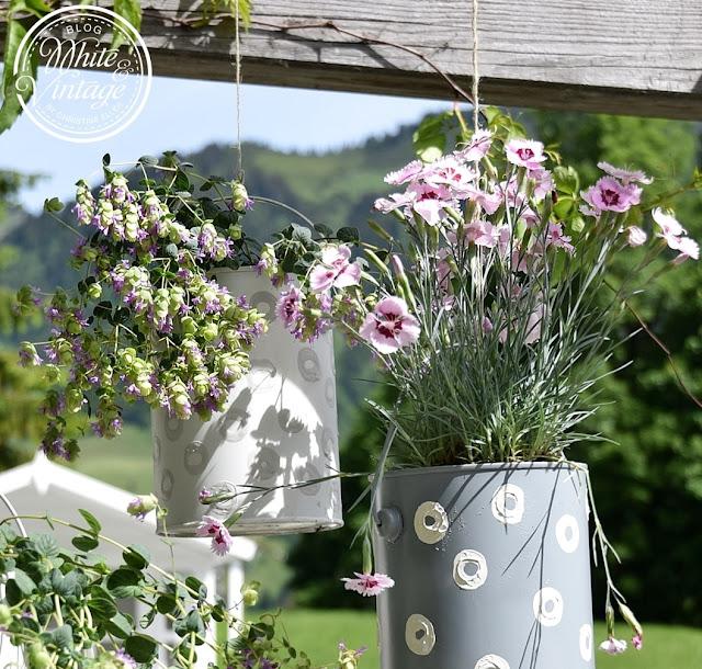 Blumengefäß aus Dosen herstellen