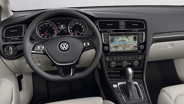VW Golf 2017 Variant Flex Automática - interior