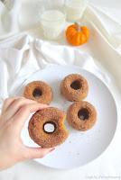 http://cookalifebymaeva.blogspot.fr/2017/02/donuts-beignets-potiron-et-cannelle-au-four-mardi-gras-vegan.html