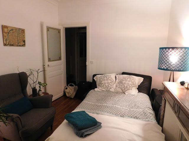 Air B&B Paris flat apartment stay Parisian bedroom